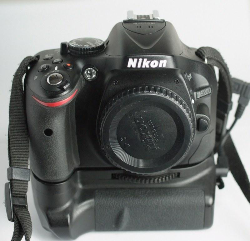 Nikon D5200 + grip