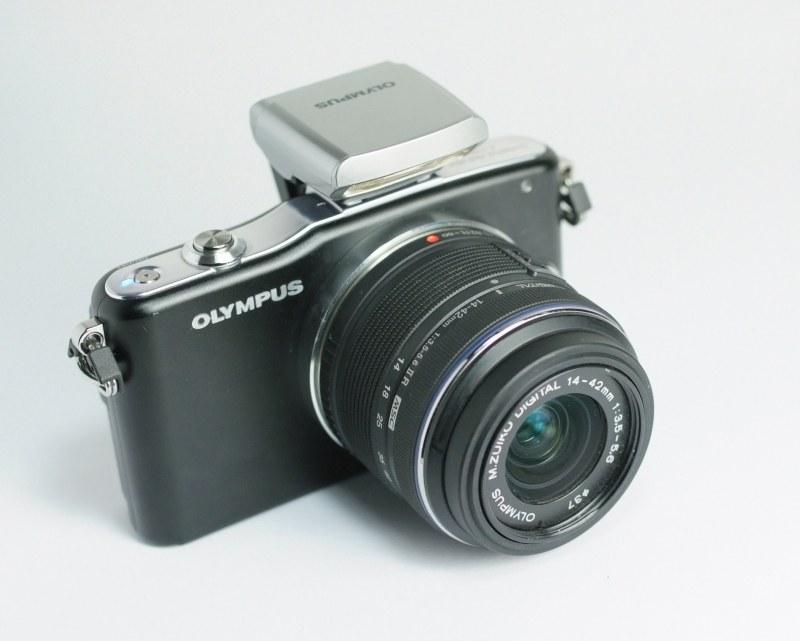 OLYMPUS E-PM1 + 14-42 mm II