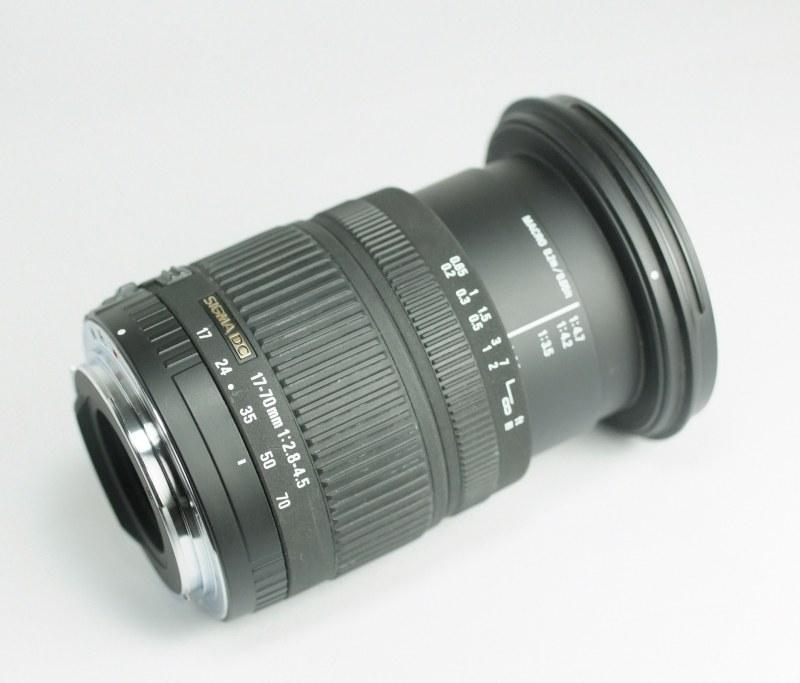 Sigma 17-70 mm f/2,8-4,5 DC Macro pro CANON